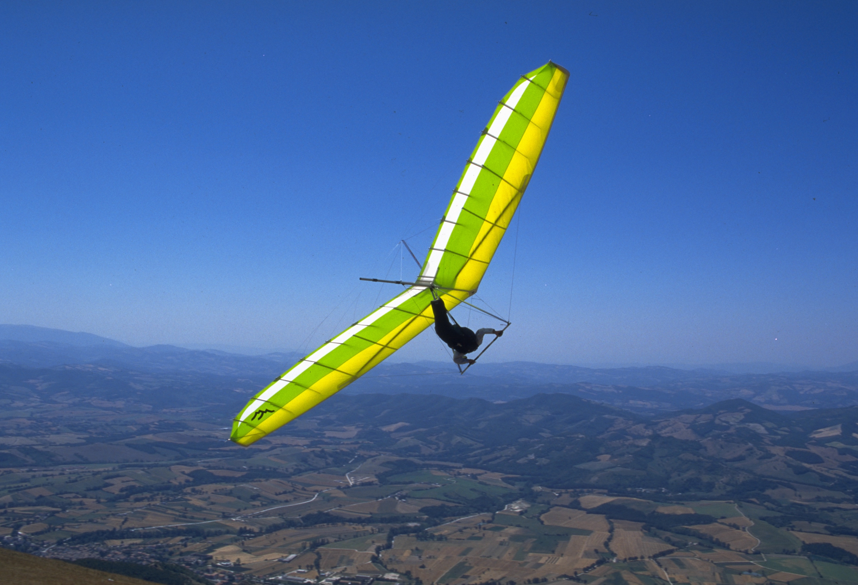 Umbrian skies hang gliding