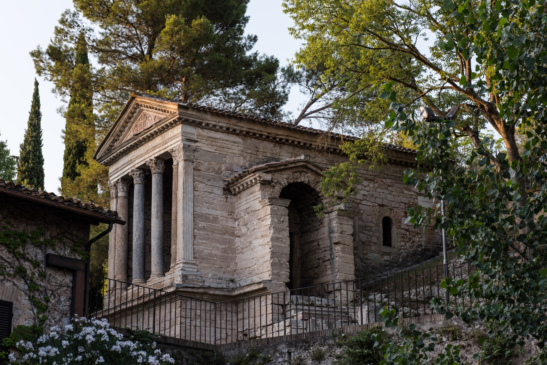 The Poets' Springs: from Poreta to Trevi
