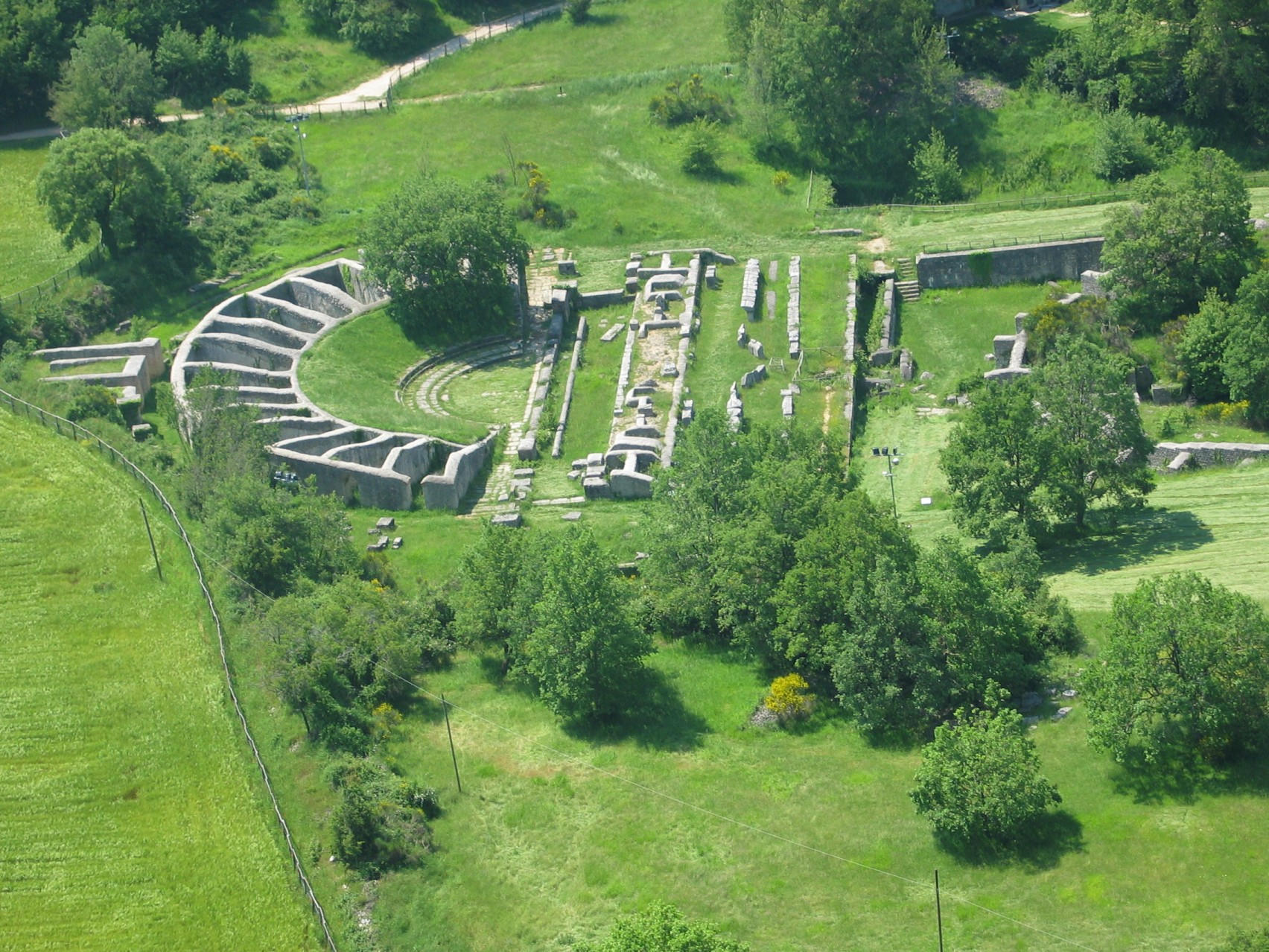 A visit to the Archaeological Park of Carsulae
