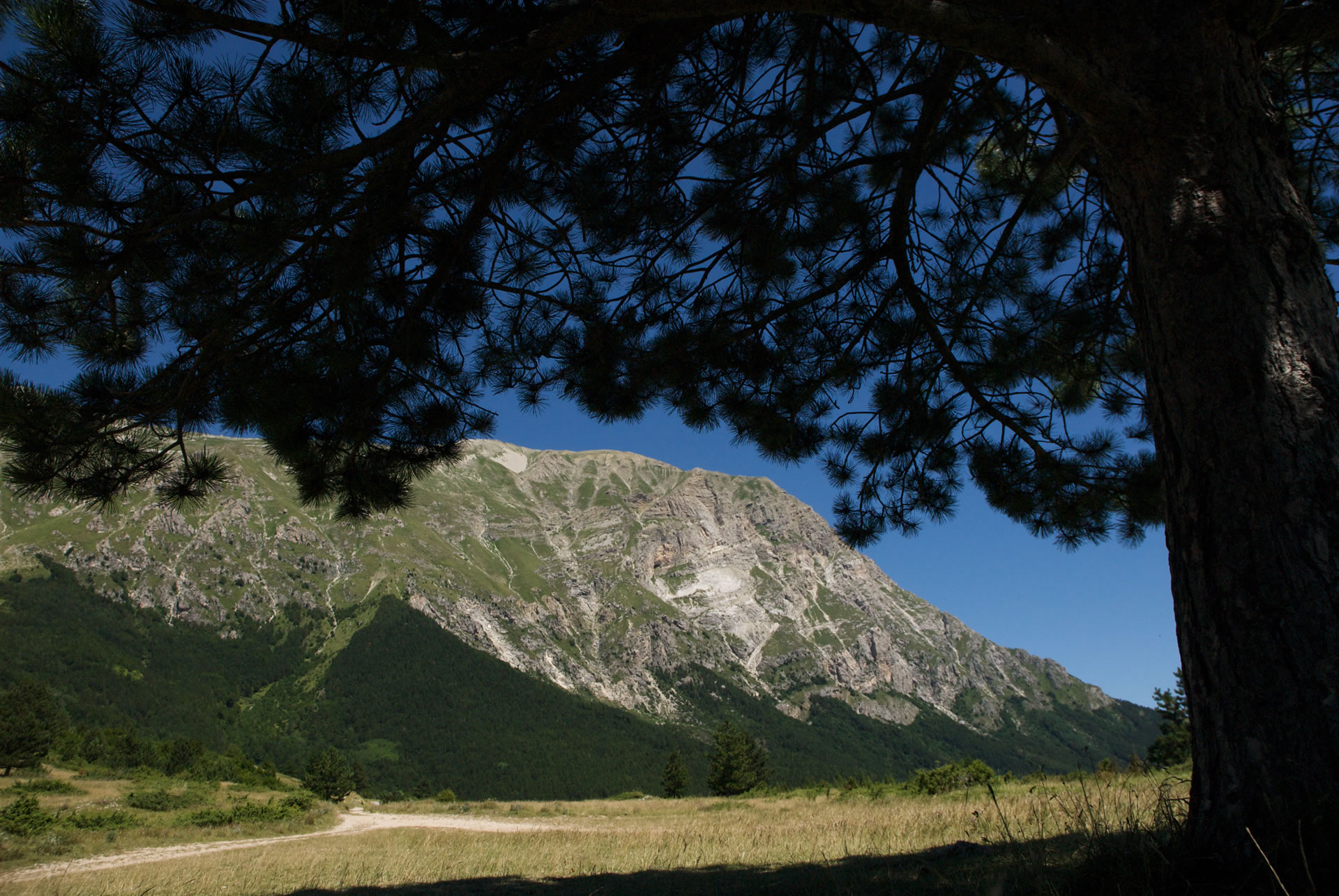 Trekking on the Sibillini Mountains