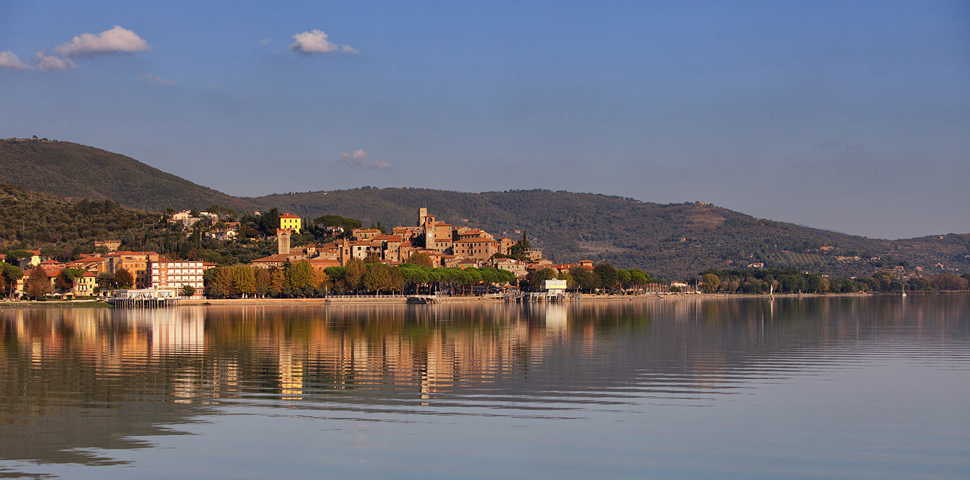Lake Trasimeno - Umbria on a motorbike, along Lake Trasimeno