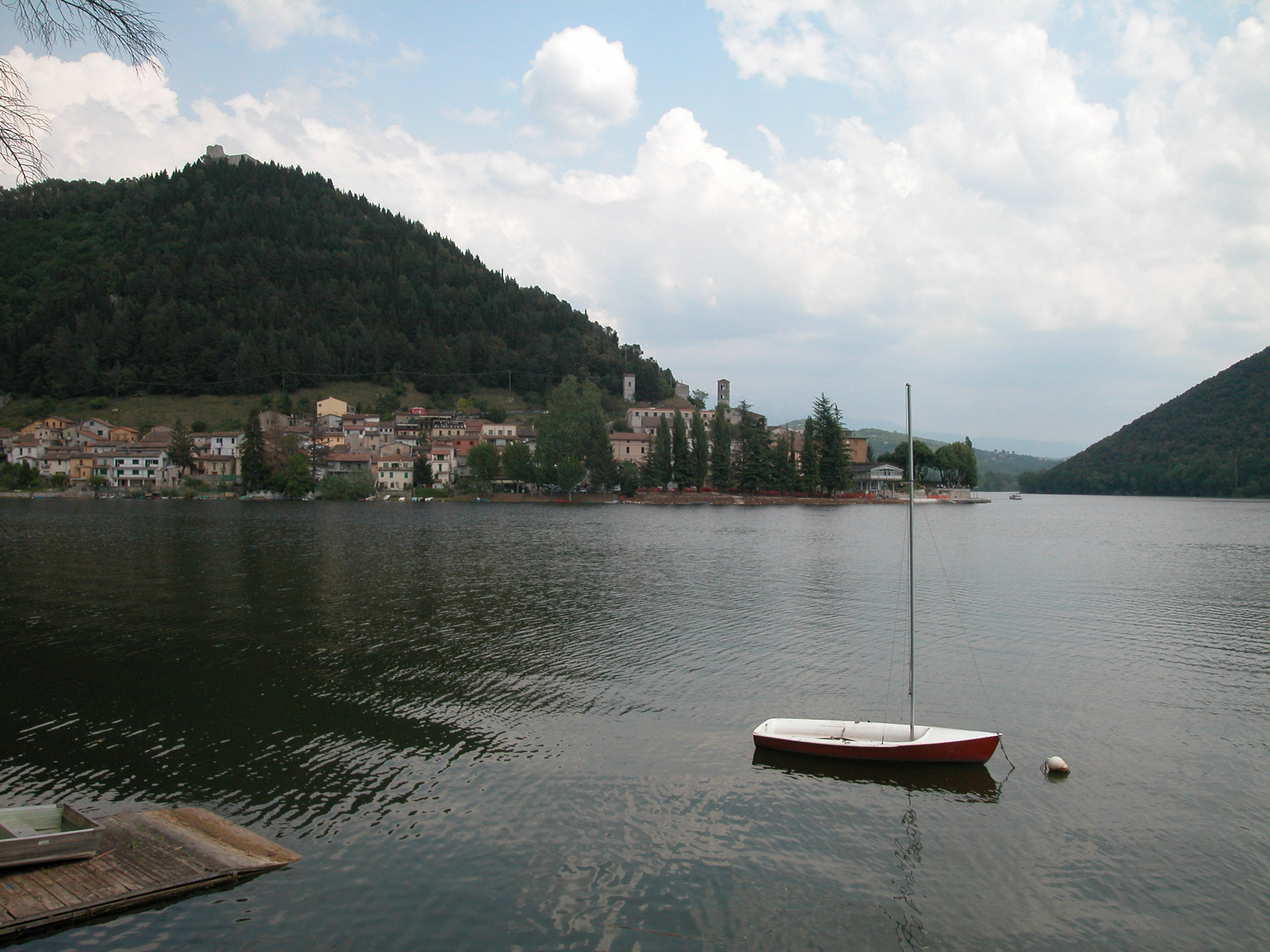 Rowing in Piediluco